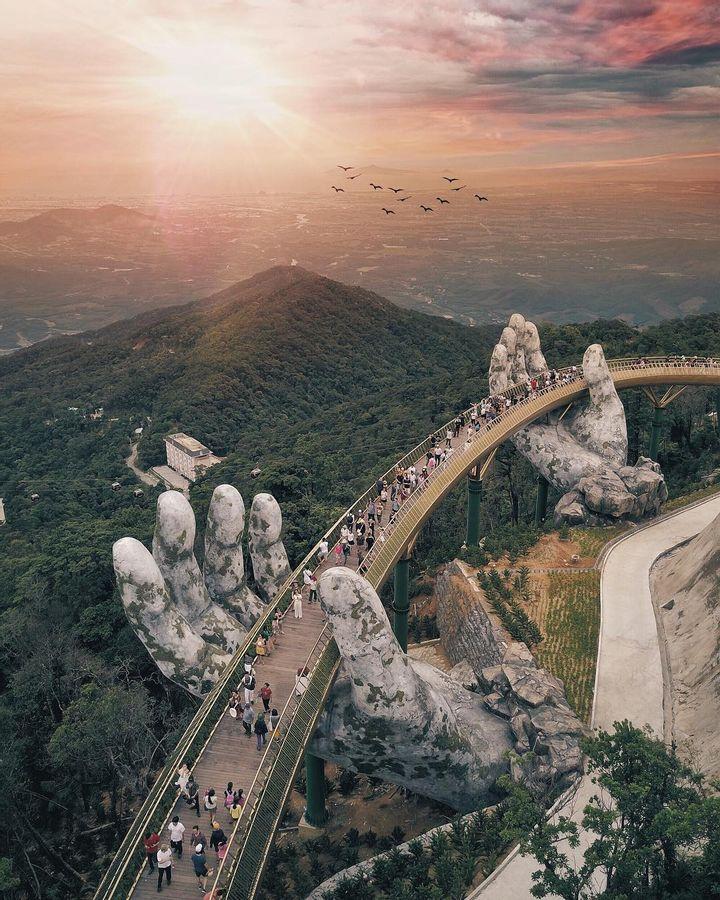 Da Nang Bridge, Vietnam